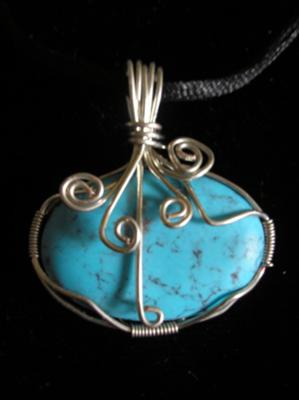 My fourth wire-wrapping pendant.